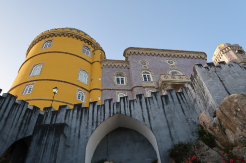 Pena Palace. Photo by buenas dicas, Unsplash